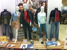 .... Mens Fashion, Jeans, Women, Style, Men Fashion, Man Fashion, Women's, Fashion For Men, Male Fashion