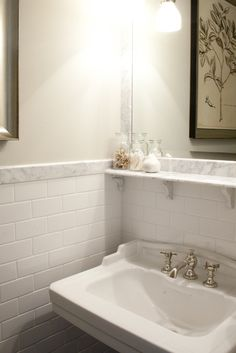 White Subway Tile Backsplash - Design photos, ideas and inspiration. Amazing gallery of interior design and decorating ideas of White Subway Tile Backsplash in bathrooms, kitchens by elite interior designers. White Subway Tile Bathroom, Subway Tile Showers, White Subway Tile Backsplash, Hex Tile, Backsplash Ideas, Bad Inspiration, Bathroom Inspiration, Bathroom Ideas, Boy Bathroom