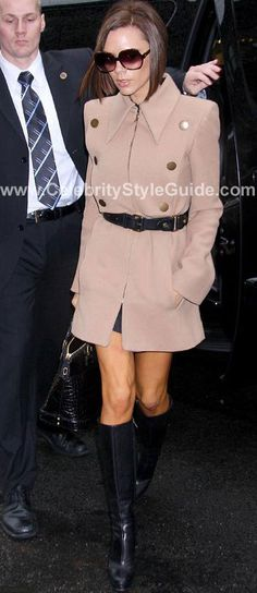 Victoria Beckham in Marc Jacobs Fall 2007 Ready-to-Wear coat