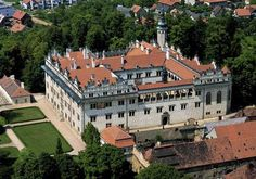Litomyšl Castle was originally a Renaissance arcade-castle of the type first developed in Italy and then adopted and greatly developed in ce. Grand Homes, Kirchen, Czech Republic, Prague, Travel Destinations, Beautiful Places, Heritage Site, Country, World