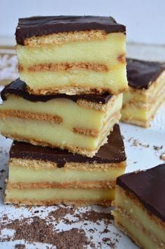 Dessert of pastry, cookies and chocolate - comidas ! Sweet Cooking, Easy Cooking, Sweet Recipes, Cake Recipes, Dessert Recipes, Desserts Espagnols, Cake Cookies, Food Porn, Food And Drink