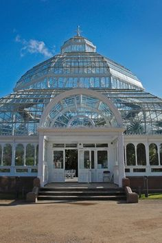 Your wedding planning journey starts here. Inspiration, advice, and all of your wedding etiquette questions answered right this way. Liverpool Home, Liverpool England, Liverpool History, North Scotland, Events Place, New City, Amazing Architecture, Britain, Taj Mahal