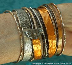 smashed knitting needle BRACELETS and beaten bollywood bangles in Silver and Gold Cyndi Recycled Jewelry, Metal Jewelry, Handmade Jewelry, Zipper Jewelry, Ceramic Jewelry, Diy Knitting Needles, Baby Knitting, Metal Bracelets, Bangles