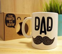 Cajas para regalo, un regalo en sí mismas - SelfPackaging Biscuit, Customised Mugs, Gift Box Packaging, Pattern Pictures, Gift Labels, Fathers Day Crafts, Plate Crafts, Cup Design, Cute Mugs