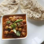 Indian Spiced Chickpea Gravy (Chole)