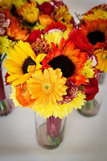 DIY Fall Wedding Bouquets with sunflowers