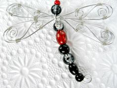Alu and beads madness - Pendant in wire wrapped aluminium and beads (red, silver and black dragonfly) - Zaybia