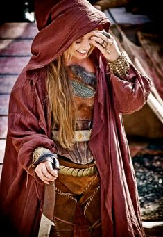 """Fantastic. Practical armour mixed with realism looking more like """"clothing"""" than """"garb"""". - LARP costume; A place to rate and find ideas about LARP costumes. Anything that enhances the look of the character including clothing, armour, makeup and weapons if it encourages immersion for everyone."""