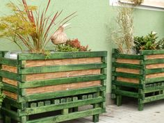 Dřevěné venkovní květináče