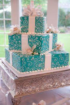 I do love Tiffany's blue!!