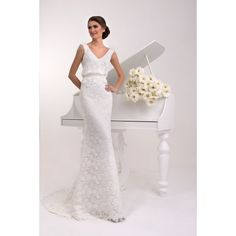 This straight dress looks elegant and stylish with flower macramé that it covers; Designer Gowns, Designer Wedding Dresses, Haute Couture Designers, Straight Dress, Yes To The Dress, Bridal Style, Dress Outfits, Marie, Elegant