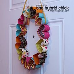 paper heart wreath - This would be cool to do for someone's wedding or something I think