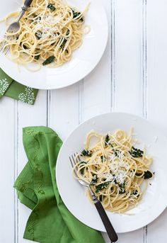 Spinach and Garlic Spaghetti with Pecorino