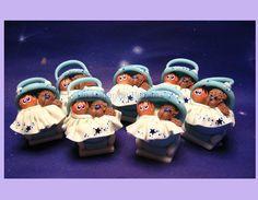 Souvenirs de Nacimiento Cochecito de Bebe con osito de peluche.  Para más info: www.unlugardebichitos.com.ar  FB: facebook.com/DecoFeliz  info@unlugardebichitos.com.ar