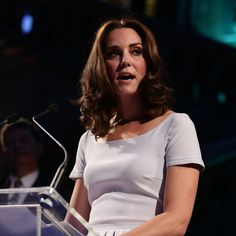 The Duchess of Cambridge flaunted her bold shorter 'kob' hairstyle this evening at the Natural History Museum  via ✨ @padgram ✨(http://dl.padgram.com)