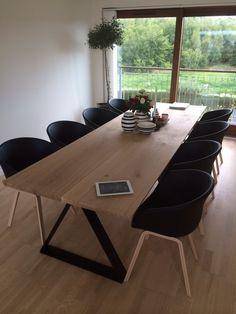 Plankebord med trekantsfødder og 8 pladser