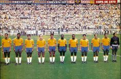 Brazil team line up at the 1970 World Cup Finals. Brazil Football Team, Brazil Team, Pure Football, Football Is Life, World Football, Football Soccer, Fifa, Association Football, Soccer Games