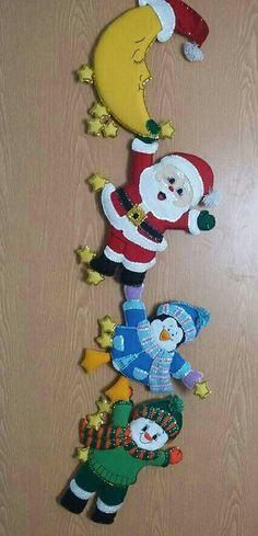 Christmas Wall Hangings, Felt Christmas Decorations, Felt Christmas Ornaments, Crochet Applique Patterns Free, Felt Applique, Merry Little Christmas, Christmas Fun, Christmas Projects, Christmas Crafts