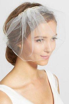 short tulle blusher veil