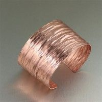 amazing handmade copper jewelry / A true beauty, this eye-catching high texturized copper bark cuff bracelet is sure to make a statement.  Simply stunning, this bracelet features a deep textured pattern that gleams a rose gold tone.