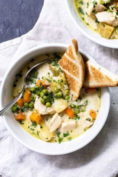 Homemade Chicken Pot Pie Soup Recipe - A Hearty Soup Full of Veggies and Chicken. Just like a Classic Pot Pie Except so Much Easier to Make! ~ https://www.julieseatsandtreats.com