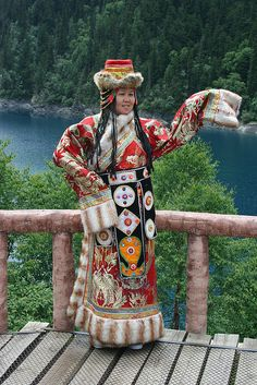 Traditional Tibetan clothing   www.facebook.com/loveswish