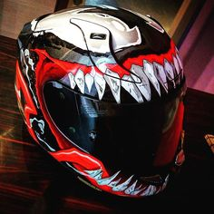 Who doesn't love graphic design on your helmet? Well if you are somebody who loves a bit extra, this helmet will definitely suit your personality. Motorcycle Helmet Design, Motorbike Girl, Cruiser Motorcycle, Women Motorcycle, Bike Helmets, Cool Motorcycles, Vintage Motorcycles, Valentino Rossi Helmet, Motorcross Bike