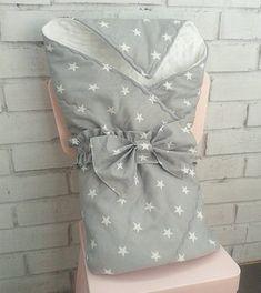376 отметок «Нравится», 11 комментариев — Бортики 🐣 Гнездышки 🐣 бомбон (@my_sunny_childhood) в Instagram: «💎Серый & белый - элегантная классика! А в одеяке-конверте для выписки - стильно и мило💎. . Уют и…»