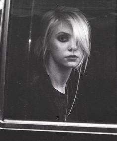 Taylor Momsen ✾ of The Pretty Reckless Taylor Momsen Style, Taylor Michel Momsen, Taylor Swift, Taylor Monsen, Loreena Mckennitt, Emo, Jenny Humphrey, Hardcore, Grunge