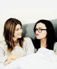 Carmilla Cast -  Elise Bauman & Natasha Negovanlis (GWC Pillow Talk) | I'm in love with these dorks :))))