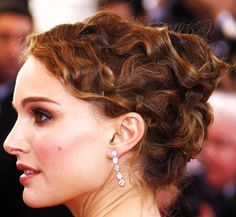 Hairstyles: Natalie Portman Pin Curled Up-Do Hairstyle Natalie Portman, Ringlet Curls, Red Carpet Hair, Pin Curls, Celebs, Celebrities, Hollywood Actresses, Wedding Hairstyles, Vintage Hairstyles