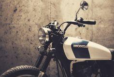 Dauphine-Lamarck's Honda 125 - The Bike Shed Honda Bikes, Honda S, Scooter Motorcycle, Scrambler Motorcycle, Cg 125 Cafe Racer, Honda Cg125, Moto Car, Motorbike Design, Bike Shed