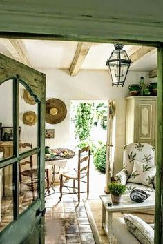 21 Amazing French Country Cottage Decor Now it appears right at home. If you're sharing your house with others, 21 Amazing French Country Cottage Decor Now it appears right at home. If you're sharing your house with others, French Country Cottage, French Country Style, French Country Decorating, Country Farmhouse, Country Living, Rustic Cottage, French Decor, Rustic Country Decor, Rustic Wood