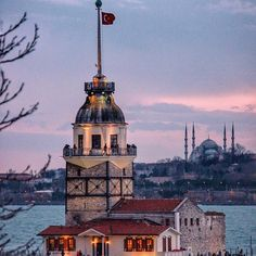 Maiden's Tower – Oğuz Topoğlu – Join the world of pin Istanbul City, Istanbul Travel, Wonderful Places, Beautiful Places, Turkey Places, Ariana Grande Drawings, Hagia Sophia, Go Kart, Beautiful Islands