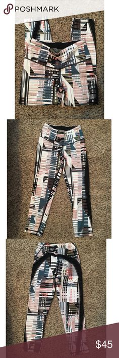 Victoria's Secret Capris Knockout By Victoria's Secret! Extra small capris. Like new!! Worn only twice. Victoria's Secret Pants Leggings