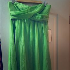 Jcrew strapless cocktail dress Jcrew chiffon green strapless dress. Great condition. Never worn. 4th picture is ab picture off website- not the actual green I have. I follow all Posh rules! Make an offer! J. Crew Dresses