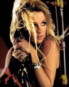 Jennifer Aniston Style, Britney Jean, Love Rocks, Girl Gang, Celebs, Celebrities, Timeless Beauty, Supergirl, Pop Culture