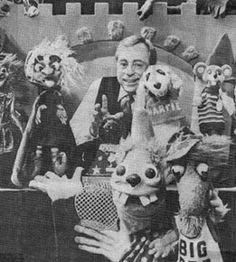 Cincinnati puppeteer Larry Smith, with Hattie the Witch (Old batty Hattie from Cincinnati), Snarfie our dog, Teaser Mouse, Rudy the Rooster, and the rest of the gang. Watched every afternoon at 3:00 after school.