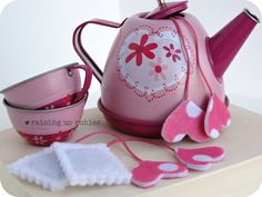 Darling faux teabags - sweet decor idea, favors at meetings, to slip into a card to use as bookmarks, etc.