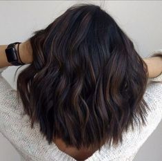 35 Balayage Hair Color Ideas for Brunettes in The French hair coloring technique: Balayage. These 35 balayage hair color ideas for brunettes in 2019 allow to achieve a more natural and modern eff. Brown Hair Balayage, Brown Blonde Hair, Brunette Hair, Hair Highlights, Ombre Hair, Black Hair, Brunette Makeup, Blonde Ombre, Blonde Balayage