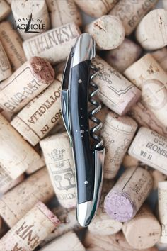 Our original Forge de Laguiole® Sommelier knife with a dark horn handle and shiny finish. Our authentic Sommelier knife was produced in collaboration with professional Sommeliers and thus gives it its ergonomics, elegance and efficiency.   #wine #sommelier #sommelierknife #winelovers #finewine #giftideas #giftsformen #redwine #whitewine #laguiole #laguioleknife #knife #waiter #waiterknife #forgedelaguiole #handmade #madeinfrance #worldcuisine #drinks #frenchwine #horn #handle #knifemaking