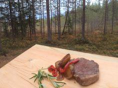 Kuusamon Pohjolan luontopääkaupunki -strategia maastoutuu maukkaasti. Oivanki syyskuu 2014.