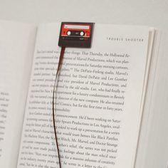 Separador de libros en forma de cassete antiguo