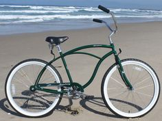 The Urban Man Single Speed Beach Cruiser is a classic cruiser bike that rides smooth and pedals easy. An ideal men's bicycle for the guy in need of a bike for casual riding whether it be with friends,