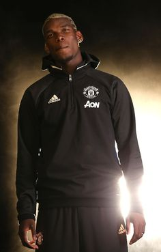 Gallery: Paul Pogba's transfer to United - Official Manchester United Website