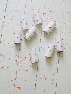 DIY Confetti Launchers by victoriahudgins for Julep Push Pop Confetti, Confetti Poppers, Diy Confetti, Wedding Confetti, Diy For Kids, Crafts For Kids, Diy Crafts, Recycled Crafts, Diy Party Poppers