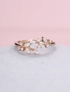 Rose gold engagement ring Diamond Cluster ring Unique moissanite Delicate leaf wedding women Bridal set Promise Anniversary Gift for her Diamant-Cluster-Ring Marquesa de verlobungsring de oro rosa Vintage Gold Engagement Rings, Diamond Cluster Engagement Ring, Wedding Rings Rose Gold, Bridal Rings, Wedding Bands, Vintage Rings, Bridal Jewelry, Ring Rosegold, Diy Schmuck