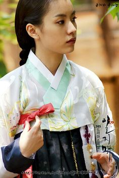 "Iljimae (Hangul: 일지매; hanja: 一枝梅; RR: Iljimae; literally ""One blossom branch"") is a 2008 South Korean period-action television series, starringLee Joon-gi in the title role of Iljimae, Han Hyo-joo, Lee Young-ah and Park Si-hoo. It is loosely based on the comic strip Iljimae, published between 1975 and 1977, written by Ko Woo-young based on Chinese folklore from the Ming dynasty about a masked Robin Hood-esque character during the Joseon era.한효주"