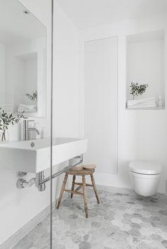 Tidløs marmor på baderommet