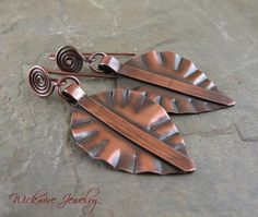 Copper Fold Formed Leaf Earrings Copper Earrings, Leaf Earrings, Copper Jewelry, Boho Earrings, Stone Jewelry, Wire Jewelry, Jewelry Art, Jewelry Design, Artisan Jewelry
